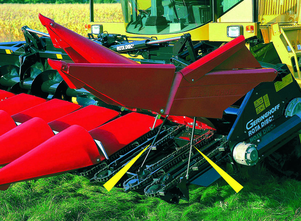 GS8-70  Maintenance work on harvesting machines